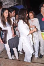 at Jiah Khan_s prayer meet in Juhu, Mumbai on 8th June 2013 (92).JPG