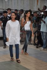 at Jiah Khan_s prayer meet in Juhu, Mumbai on 8th June 2013 (47).JPG
