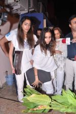 at Jiah Khan_s prayer meet in Juhu, Mumbai on 8th June 2013 (90).JPG