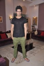 Namit Khanna at Bang Bang Bangkok film on location in Aaraey milk colony on 9th June 2013 (16).JPG