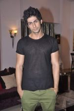Namit Khanna at Bang Bang Bangkok film on location in Aaraey milk colony on 9th June 2013 (21).JPG