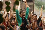 Sonam Kapoor in the still from movie Raanjhanaa (33).JPG