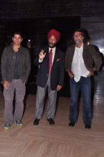Rakeysh Omprakash Mehra, Milkha Singh, Farhan Akhtar at the Audio release of Bhaag Milkha Bhaag in PVR, Mumbai on 19th June 2013 (10).JPG