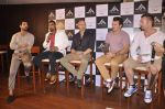 John Abraham and Boxing champion David Haye at the press conference announcing fitness Franchise in Escobar, Bandra, Mumbai on 26th June 2013 (22).JPG