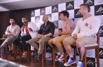 John Abraham and Boxing champion David Haye at the press conference announcing fitness Franchise in Escobar, Bandra, Mumbai on 26th June 2013 (57).JPG