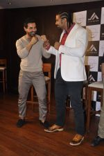 John Abraham and Boxing champion David Haye at the press conference announcing fitness Franchise in Escobar, Bandra, Mumbai on 26th June 2013 (65).JPG