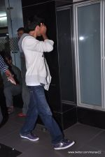 Aryan Khan snapped at airport in Mumbai on 27th June 2013 (1).JPG