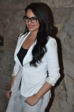 Sonakshi Sinha at Special screening of Lootera by Sonakshi Sinha in Lightbox, Mumbai on 30th June 2013 (29).JPG