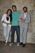 Sonakshi Sinha, Ranveer Singh at Special screening of Lootera by Sonakshi Sinha in Lightbox, Mumbai on 30th June 2013 (70).JPG