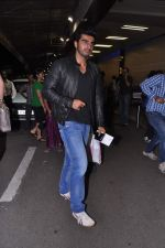 Arjun Kapoor leave for IIFA Awards 2013 in Mumbai on 3rd July 2013 (20).JPG