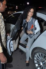 Kangana Ranaut leave for IIFA Awards 2013 in Mumbai on 3rd July 2013,1 (40).JPG