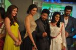 Shahrukh Khan, Deepika Padukone, Nikitin Dheer, Priyamani at the Music Launch of Chennai Express in Mumbai on 3rd July 2013 (59).JPG