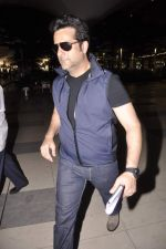 Fardeen Khan snapped at the airport in Mumbai on 4th July 2013 (1).JPG