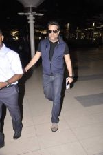 Fardeen Khan snapped at the airport in Mumbai on 4th July 2013 (5).JPG