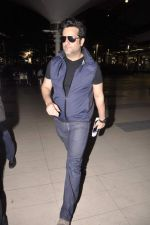 Fardeen Khan snapped at the airport in Mumbai on 4th July 2013 (7).JPG
