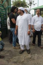 Sajid at Sajid Wajid Dad_s funeral in Mumbai on 4th July 2013 (94).JPG
