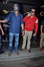 Fardeen Khan, Zayed Khan returns from IIFA in Airport, Mumbai on 9th July 2013 (27).JPG