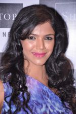 Shriya Pilagaonkar at Shoppers Stop in Thane, Mumbai on 9th July 2013 (9).JPG