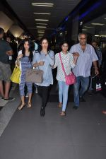 Sridevi, Boney Kapoor, Jhanvi Kapoor, Khushi Kapoor returns from IIFA in Airport, Mumbai on 9th July 2013 (10).JPG