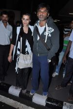Sunil Shetty, mana Shetty returns from IIFA in Airport, Mumbai on 9th July 2013 (23).JPG