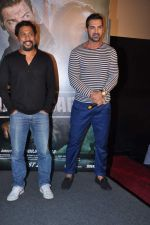 John Abraham, Shoojit Sircar at Madras Cafe first look in Cinemax, Mumbai on 11th July 2013 (86).JPG