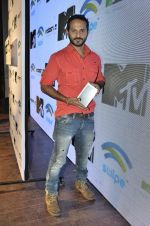 Nikhil Chinapa at the launch of MTV Slash Fablet by Swipe Telecom in Mumbai on 11th July 2013 (51).JPG
