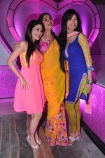 Vindhya Tiwary, Dimple Jhangiani  at Colors launch  Pammi Pyarelal show in BKC, Mumbai on 11th July 2013 (29).JPG