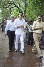 at Pran_s funeral in Mumbai on 12th July 2013 (69).JPG