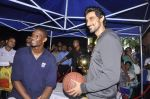 Kunal Kapoor,Chris Bosh at NBA Cares Clinic and Eliter Clinic in Don Bosco School, Matunga on 18th July 2013 (54).JPG