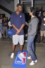 Kunal Kapoor,Chris Bosh at NBA Cares Clinic and Eliter Clinic in Don Bosco School, Matunga on 18th July 2013 (48).JPG