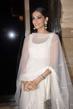 Sonam Kapoor at Raanjahanaa Success bash in J W Marriott, Mumbai on 24th July 2013 (30).JPG