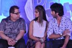 Ileana Dcruz, Shahid Kapoor, Ramesh Taurani at the Launch of Tu Mere Agal Bagal Hai song from Phata Poster Nikhla Hero in Mehboob, Mumbai on 26th July 2013 (90).JPG