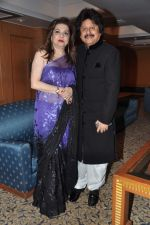 Pankaj Udhas at Pankaj Udhas_s Khazana concert in Trident, Mumbai on 26th July 2013 (46).JPG