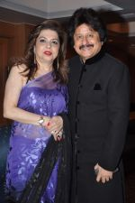 Pankaj Udhas at Pankaj Udhas_s Khazana concert in Trident, Mumbai on 26th July 2013 (48).JPG