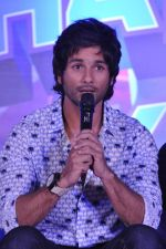 Shahid Kapoor at the Launch of Tu Mere Agal Bagal Hai song from Phata Poster Nikhla Hero in Mehboob, Mumbai on 26th July 2013 (108).JPG