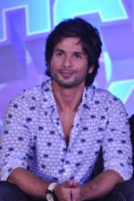 Shahid Kapoor at the Launch of Tu Mere Agal Bagal Hai song from Phata Poster Nikhla Hero in Mehboob, Mumbai on 26th July 2013 (112).JPG