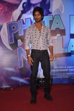Shahid Kapoor at the Launch of Tu Mere Agal Bagal Hai song from Phata Poster Nikhla Hero in Mehboob, Mumbai on 26th July 2013 (142).JPG