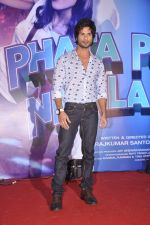 Shahid Kapoor at the Launch of Tu Mere Agal Bagal Hai song from Phata Poster Nikhla Hero in Mehboob, Mumbai on 26th July 2013 (144).JPG
