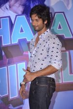 Shahid Kapoor at the Launch of Tu Mere Agal Bagal Hai song from Phata Poster Nikhla Hero in Mehboob, Mumbai on 26th July 2013 (147).JPG