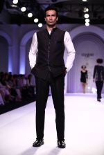 Model walks for Designer Adarsh Gill in Delhi on 27th July 2013 (28).jpg