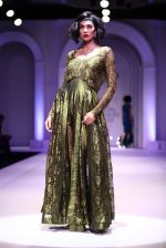 Model walks for Designer Adarsh Gill in Delhi on 27th July 2013 (34).jpg