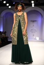 Model walks for Designer Adarsh Gill in Delhi on 27th July 2013 (36).jpg