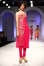 Model walks for Designer Adarsh Gill in Delhi on 27th July 2013 (41).jpg