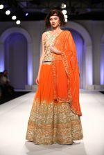 Model walks for Designer Adarsh Gill in Delhi on 27th July 2013 (44).jpg