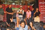 Shahrukh Khan visits Fun Cinemas in Bhopal to promote Chennai Express on 27th July 2013 (64).JPG