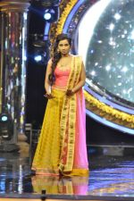 Shreya Ghoshal on the sets of Indian Idol Junior in Filmcity, Mumbai on 28th July 2013 (34).JPG
