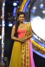 Shreya Ghoshal on the sets of Indian Idol Junior in Filmcity, Mumbai on 28th July 2013 (36).JPG
