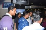 Shahrukh Khan leaves for London in Mumbai Airport on 29th July 2013 (10).JPG
