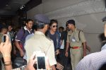 Shahrukh Khan leaves for London in Mumbai Airport on 29th July 2013 (6).JPG