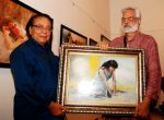 Dinesh Hingoo inaugurated the painting exhibition Artist Aku Jha on 30th July 2013 (3).JPG